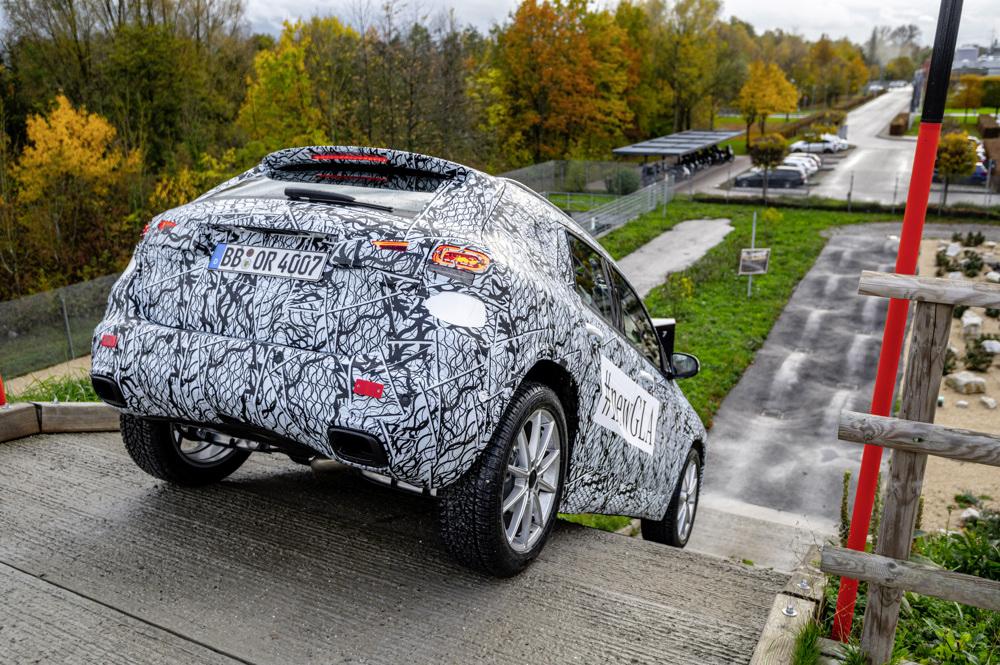 Estreno mundial digital: Mercedes-Benz presenta el nuevo GLA en Mercedes me media 3