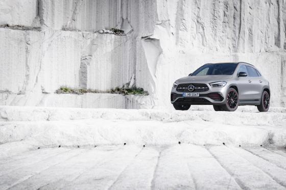 Nuevo Mercedes-Benz GLA: más carácter, más espacio, más seguridad 2