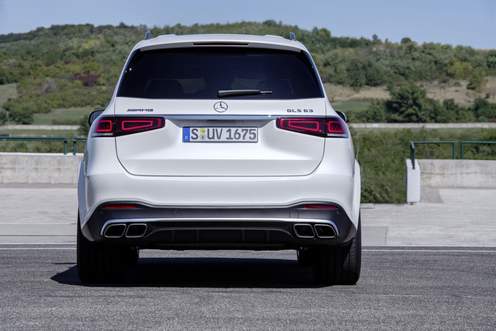 Los modelos insignia con motor V8 electrificado ya están disponibles 4