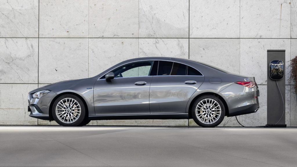 Tres nuevos híbridos enchufables amplían la familia de modelos compactos de Mercedes-Benz 2