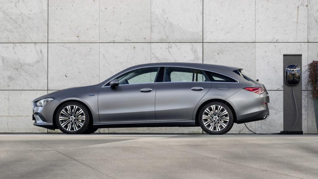Tres nuevos híbridos enchufables amplían la familia de modelos compactos de Mercedes-Benz 3