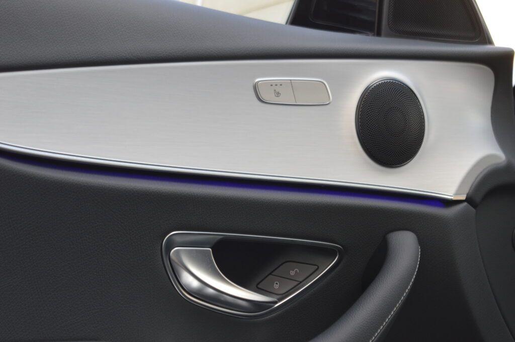 Mercedes-Benz E 300 de Berlina Híbrido 17