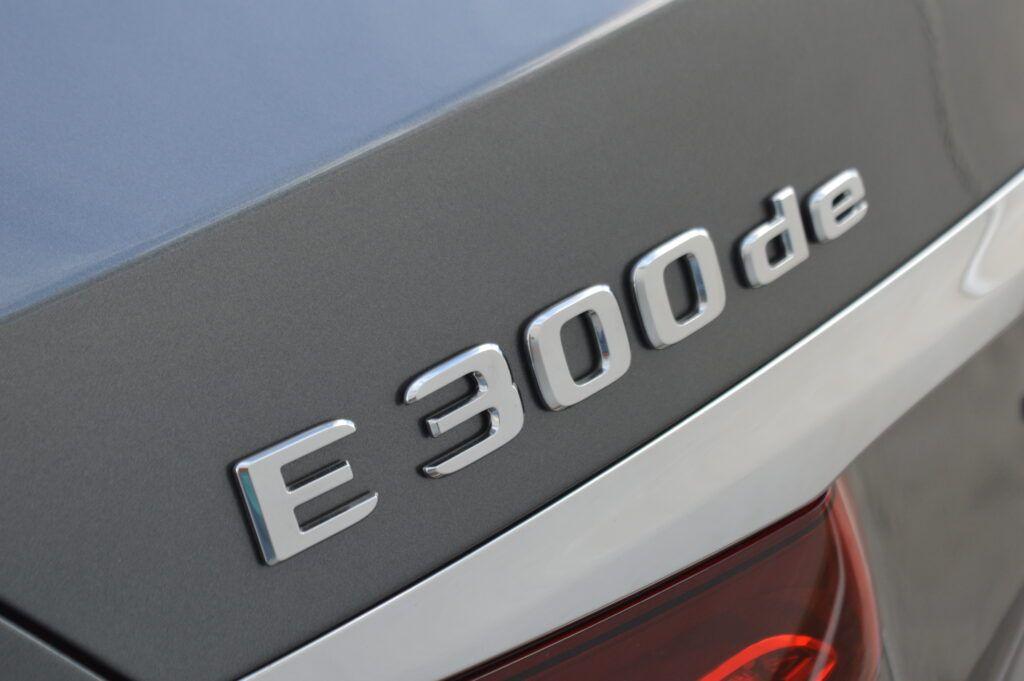 Mercedes-Benz E 300 de Berlina Híbrido 15