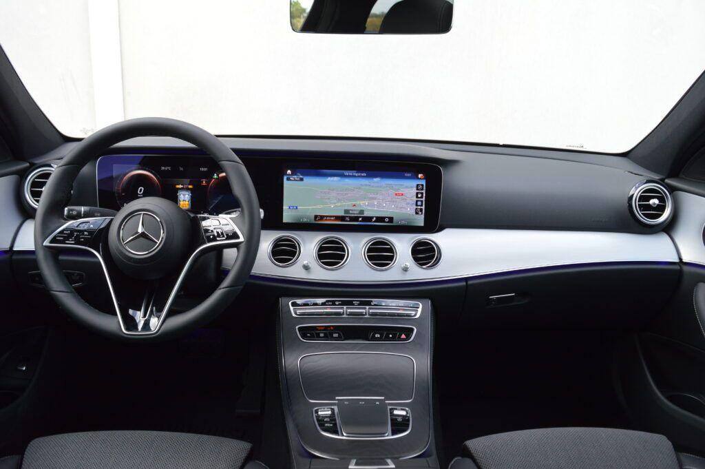 Mercedes-Benz E 300 de Berlina Híbrido 26