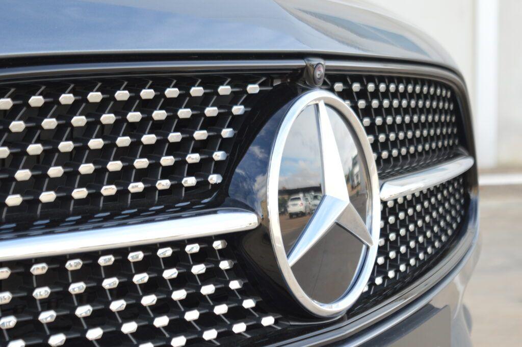 Mercedes-Benz E 300 de Berlina Híbrido 2