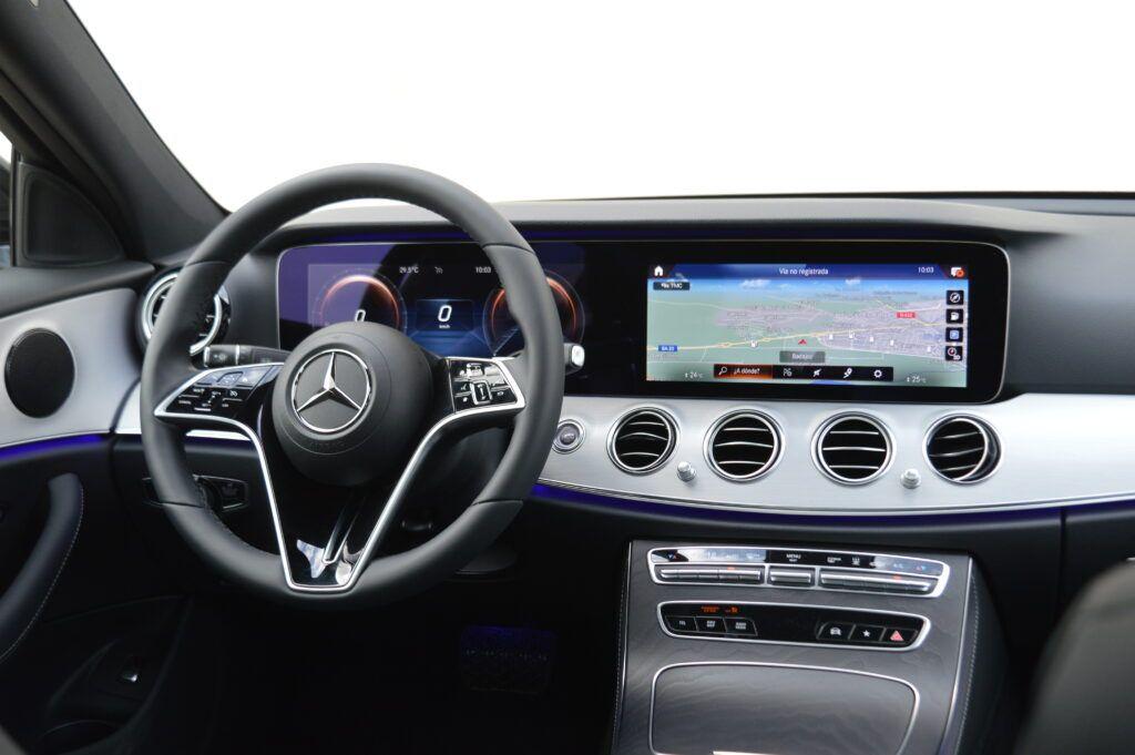 Mercedes-Benz E 300 de Berlina Híbrido 28